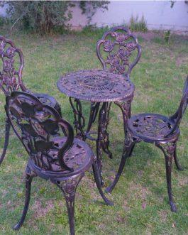 Rosas x 4 sillas – Medida de mesa: 0.56 m